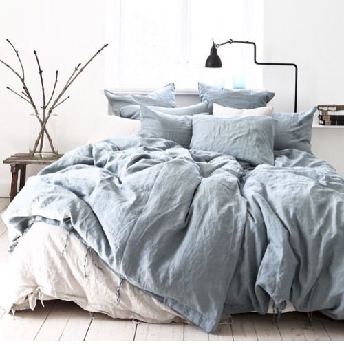 Bedroom Blue Grey Raised Bedroom Bed Plans Small Bedroom Black And White Art On Bedroom Wall: Best 25+ Comfy Bed Ideas On Pinterest