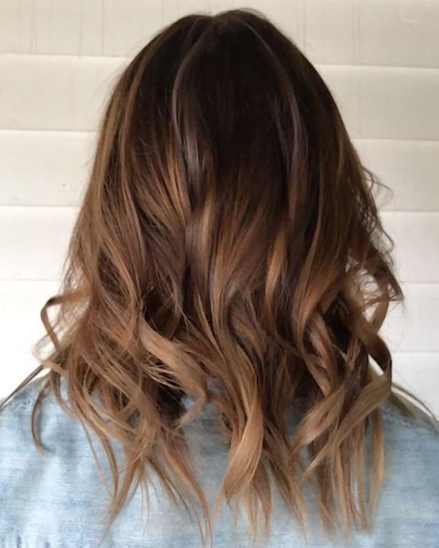 tigers eye hair color trend . . . . . . . . #jessicaphillipshair #detroit #detroithair #michigan #michiganhair #michiganhairstylist #americansalon #olaplex #hairbrained #modernsalon #behindthechair #whocuts #beautylaunchpad #hairbestie #salonsdirect #tigereyehair #tigerseye #tigereye #michigansalon #olaplex #pravana #mermaidians #mySCconnection #haircolorideas #ombresunited #hairinspo #licensedtocreate #iamlicensed #nofilterhaircolor