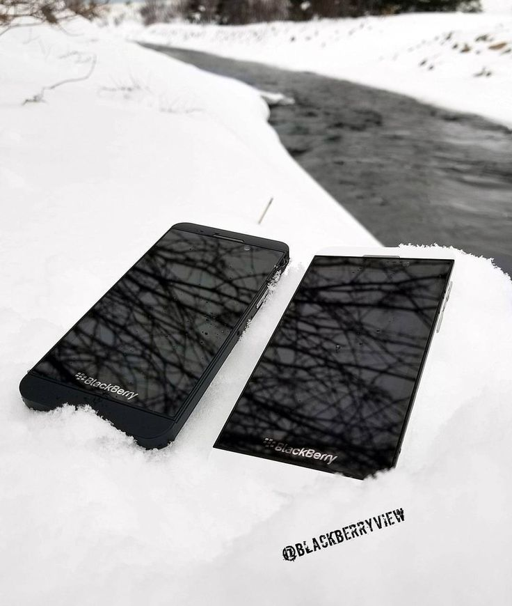 #inst10 #ReGram @blackberryview: Enjoying the minus temperatures before a storm with my Z10's! #blackberry #z10 #snow #winter #stormcoming #newfoundland #cold #icywater #nature #canada
