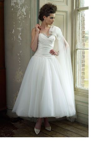 Go for something a little different to feel that even more special and goregeous <3 Ian Stuart design.