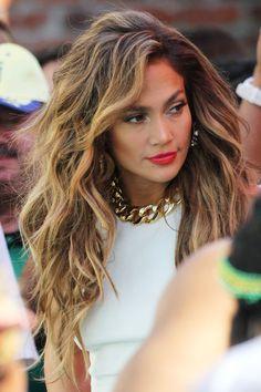 #Hair color caramel on brunette Jennifer Lopez