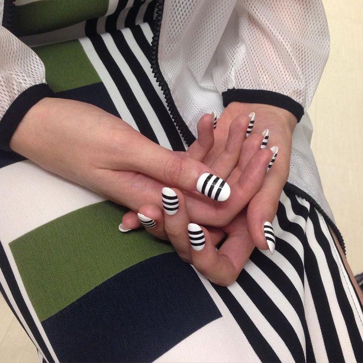 Striped Nail Art Ideas | POPSUGAR Beauty