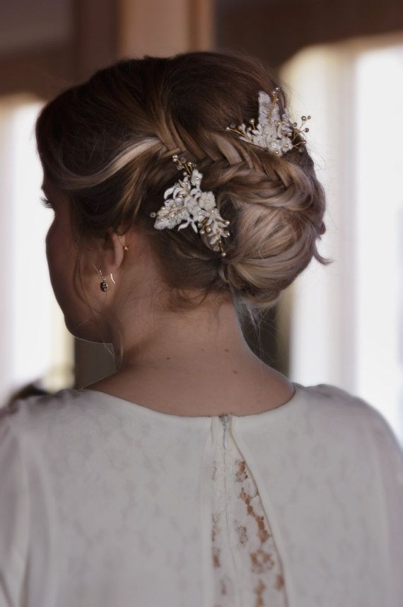 Wedding Hair Pins - Bridal Hair Accessories- Floral White Lace - Crystal Hair Pins - Vintage Hair Accessories -