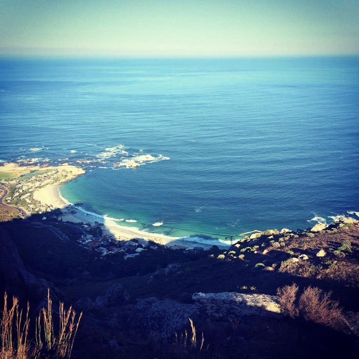 And you'll enjoy views like this from @LionsHeadCPT ----> @TravelWithLamb @allcapetown @CapeTownRedBus