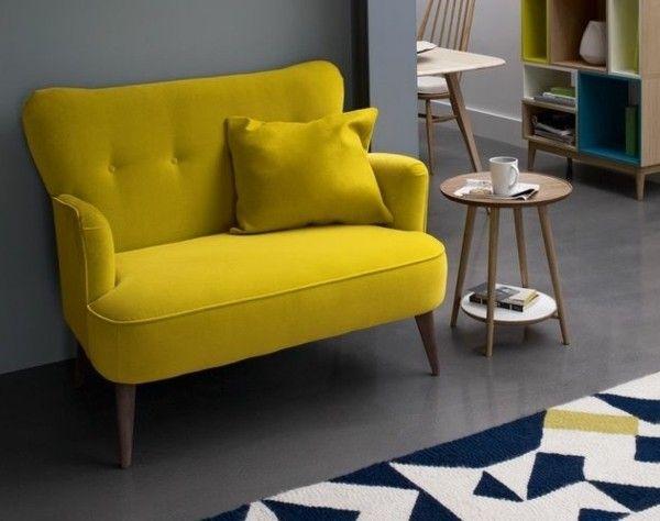 0-mini-fauteuil-jaune-fauteuil-cabriolet-fauteuil-crapaud-pas-cher-tapis-beige-bleu