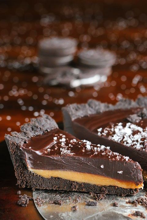 Dark Chocolate Salted Caramel Pie with an Oreo Cookie Crust. Only 5 ingredients!