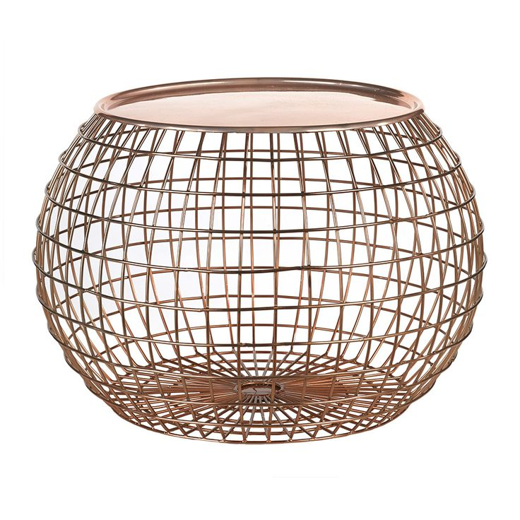 Create a unique talking point with this beautiful copper table tray from Pols Potten. Made from iron and plated in copper this Wire Ball table is suitable for indoor use only and is a great way to add