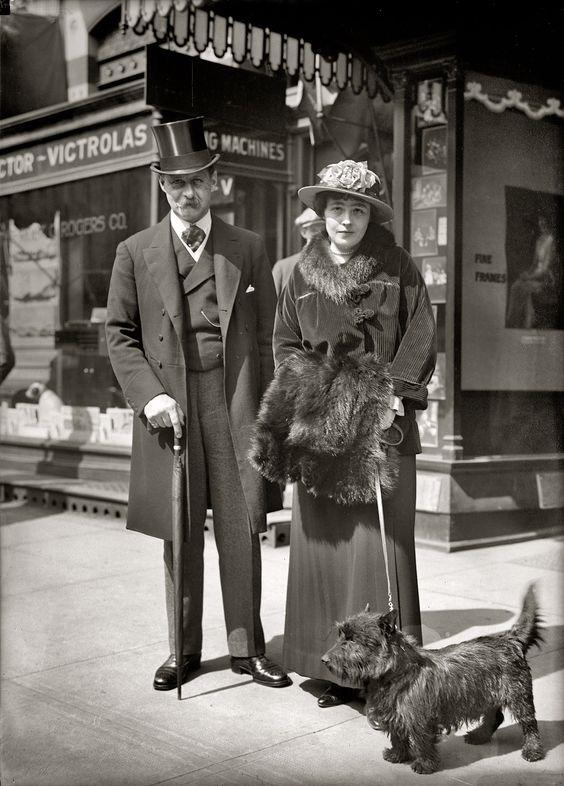 """Circa 1915 glass negative taken outside a Victrola """"talking machine"""" store in Washington, D.C.:"""