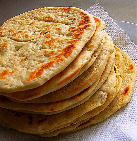 Greek Pita bread!!!   Grieks eten & drank/ Greek food ...