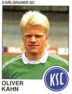 OLIVER KAHN con el uniforme del Karlsruher. Gran arquero de extensa labor