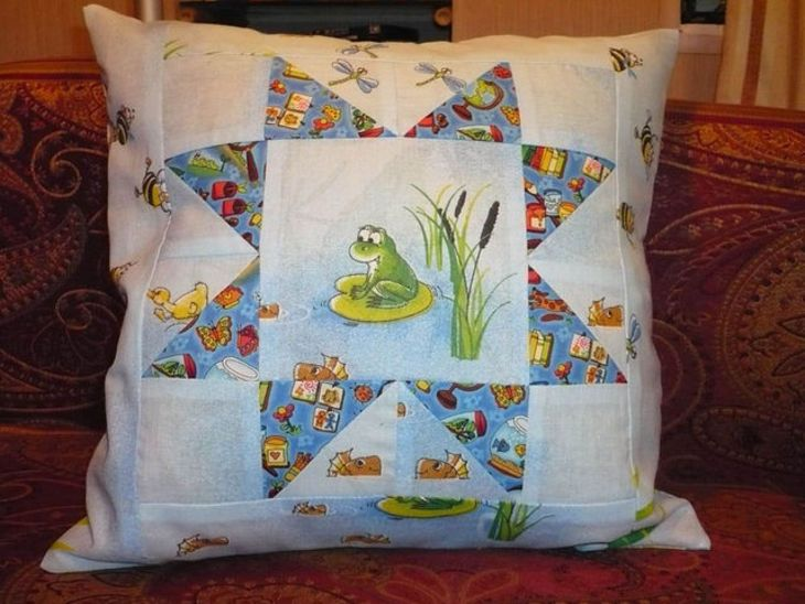 "Pillow cover ""Happy froggy"""