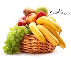 O fruto é símbolo da abundância. Por esse motivo, nos banquetes dos deuses as taças utilizadas aparecem repletas de frutas. Eles transbordam das taças para mostrar fartura. Os frutos representam as origens e a fertilidade. Isto decorre do fato de a maior parte deles possuir sementes. Suas cores, cheiros e sabores refletem sensualidade.A cereja simboliza sensualidade.O figo simboliza fertilidade. A sua árvore representa a Árvore da Vida.O morango representa sensualidade e o amor