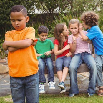 En Guiainfantil.com hablamos de cómo evitar que intimiden a mi hijo proporcionándole los recursos necesarios antes de que la intimidación llegue a ocurrir. Cómo evitar el bullying a nuestros hijos.