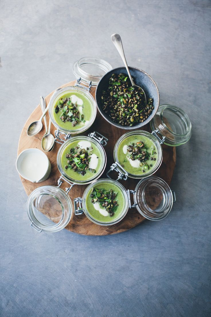 Asparagus, Fennel and Spinach Soup http://www.greenkitchenstories.com/asparagus-fennel-spinach-soup-topping/