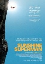 Sunshine Superman - Gerçek Bir Süperman (2014)  Altyazılı 720p izlemek için tıkla: https://www.flickr.com/photos/upload/   Süre: 100 Dk. Vizyon Tarihi: 2014 Ülke: ABD Spora ve maceraya çok düşkün bir sporcu olan Carl Boenish yaşamının bir parçası olan Base sporu onun en büyük tutkusudur. Ve bu sporu herkese sevdirmeye çalışmakla geçer bütün zamanı. Ama Base zor bir spordur . Paraşütle dağ tepe demeden atlamak bir yaşam biçimi olmuştur Carl Boenish için.