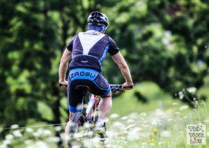 Eine Raddress mit einem super Preis/Leistungsverhälnis! Die Radbekleidung haben wir ausgiebig getestet und war sogar bei Rennen im Einsatz. #Radbekleidung #Zaosu #Triathlon #Rennrad #Mountainbike #cycling #sports #swim #bike #run