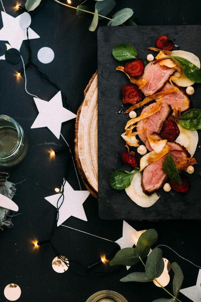 duck breast fillet with parsnip and beet chipjes- eend met de kerst eten- christmas food- chrisms food photography- christmas dinner- kerstmis eten- recept voor de kerst- voorgerecht kerstdiner- https://mylucie.com/2017/12/08/voorgerecht-kerst-eendenborstfilet-met-pastinaak/