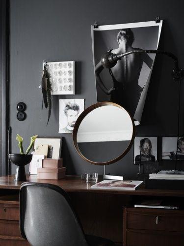 black workspace moodboard