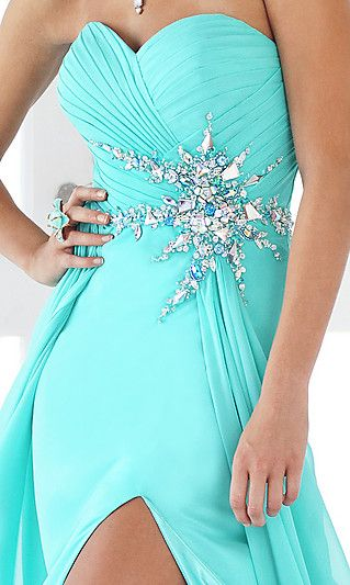 ♥I would LOVE this as my prom dress