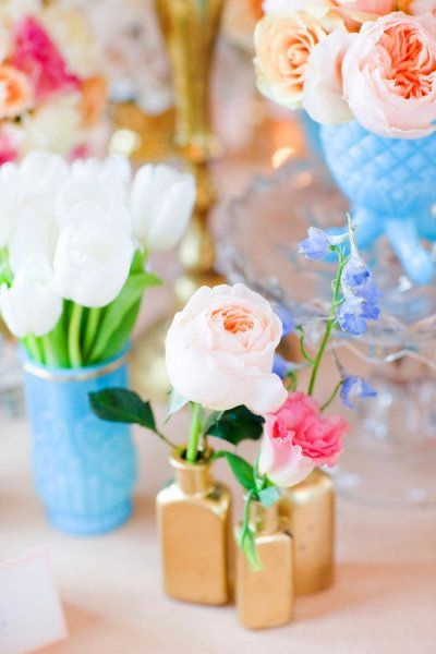 cute vases and flowers...