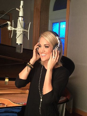 CARRIE SINGS NEW OPENING THEME FOR  NBC'S SUNDAY NIGHT FOOTBALL