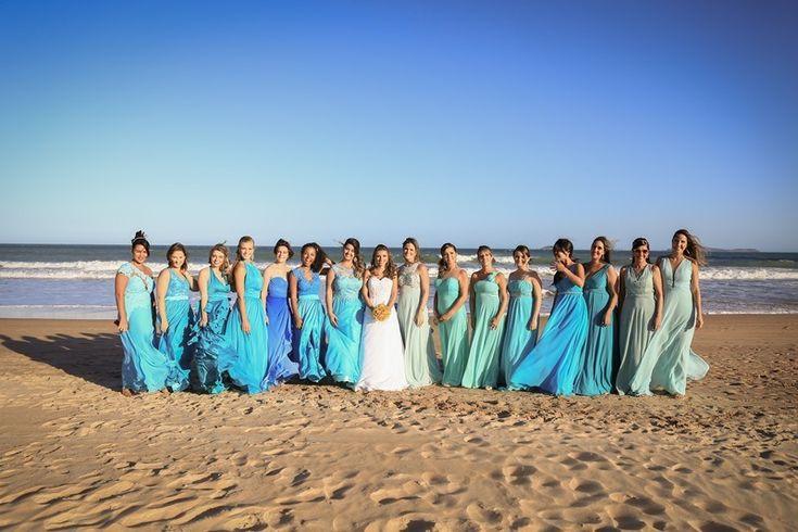 Cerimônia na praia com os pés na areia