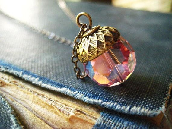 collana di cristallo, ghianda in ottone, perlina vintage, cristallo rosa, cristallo sfaccettato, catena ottone, collana di caduta, gioielli autunno, womens jewelry €22,73 EUR