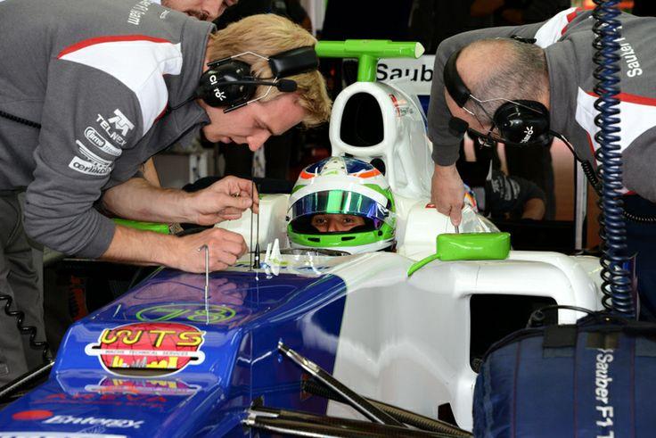 Simona de Silvestro - Sauber Test #F1  http://www.racing5.cl/2014/04/simona-de-silvestro-realizo-su-primera-prueba-en-un-formula-1-en-fiorano/ #Formula1 #Sauber