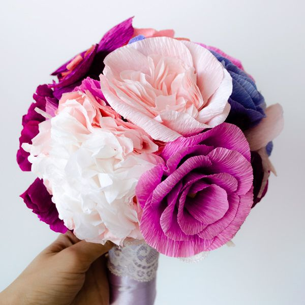 Product ID: BC0025We custom make pink paper flower bouquets.Paper flower bouquets are very suitable for religious or civil ceremony. Keep forever the memory of the most beautiful moment of your life!All our products are handmade.This bouquet can be done in medium or large size.For prices please send me an email with the product ID at hello@thediywedding.comImpress! Be unique! Be creative!We believe we can help you have the most amazing wedding! Call us!
