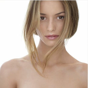 Clarins produits de soins  http://www.mabylone.com/marques/clarins-1.html