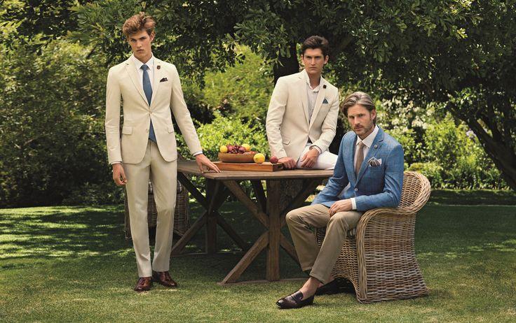 Krem rengi, kemik rengi, bej! Erkek giyiminde bu renkleri genellikle spor parçalarda, montlarda, chino pantolonlarda görmeye alışkınız; oysa yeni sezonda bu açık renklerdeki takım elbiseler çok moda. #BabadanOğulaGururla #simdibunlarmoda #hatemoglu ---> www.blog.hatemoglu.com.tr