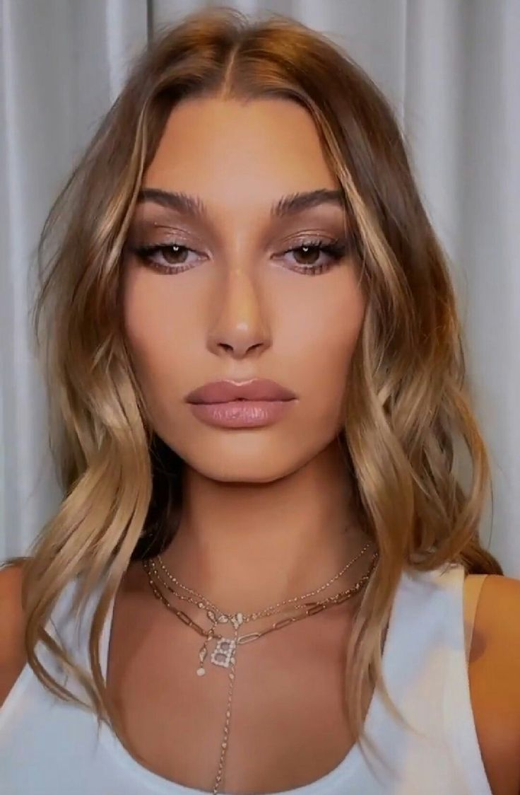 @98LOOKS) / Twitter in 2021   Bleached eyebrows, Hair