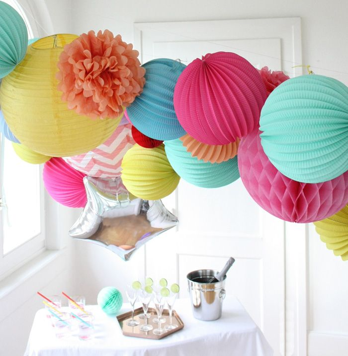 D coration couleurs flashy anniversaire r veillon et for Decoration reveillon