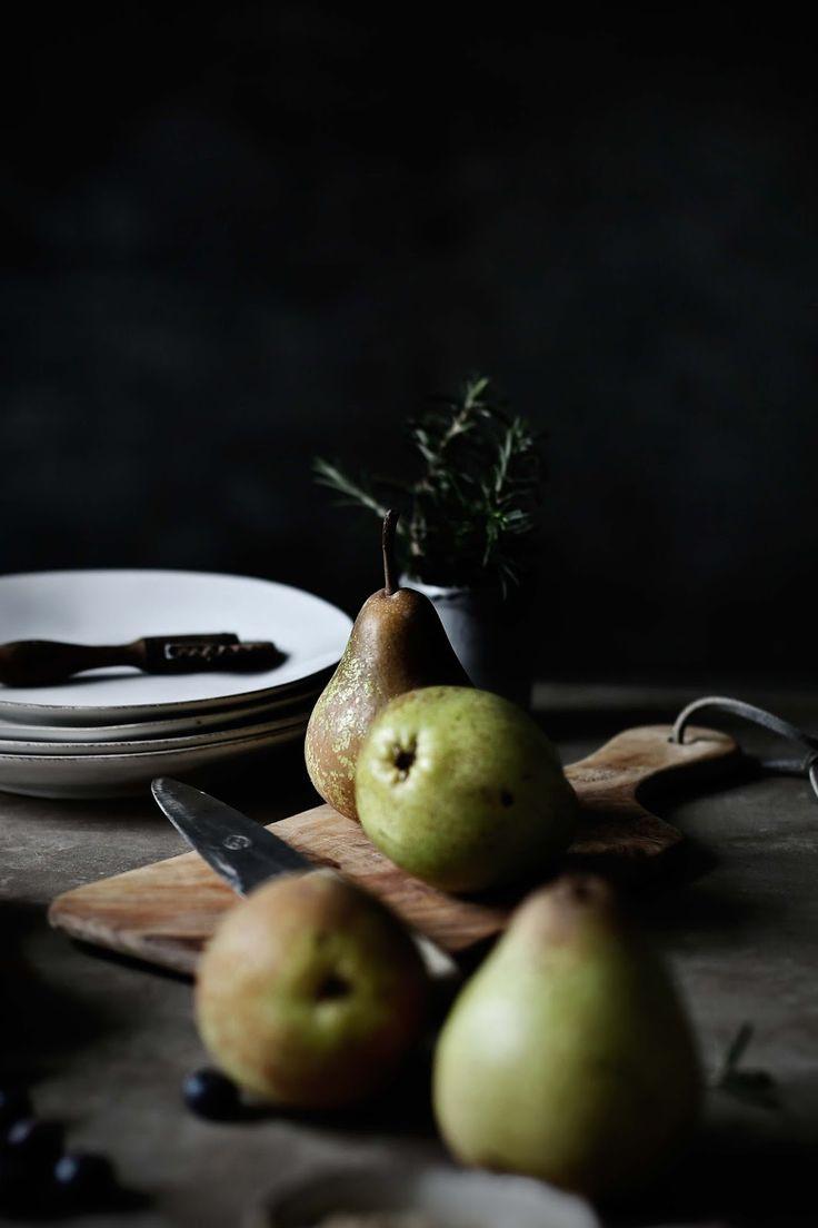 Pratos e Travessas: Galette de peras, mirtilos e alecrim # Pear, blueberry and rosemary galette