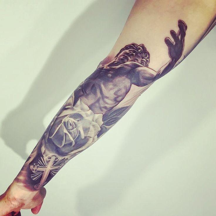#fullsleeve #tattoo #inked #apollo #michelangelo #blackandgreytattoo #statue #rose #cross #fullsleeve #fullsleevemen #men #realistic #realistictattoo #inked