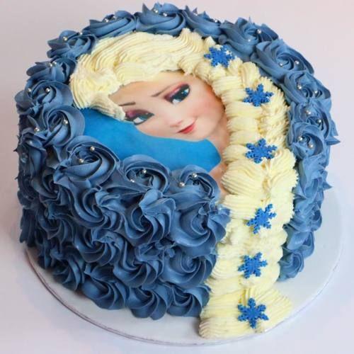 Décorer un gâteau Reine des Neiges : Elsa et sa belle tresse                                                                                                                                                                                 Plus