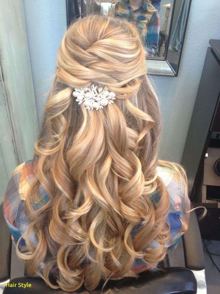 Schöne Hochzeit Frisuren für langes Haar die Hälfte mit Tiara #dutt #halboffe…