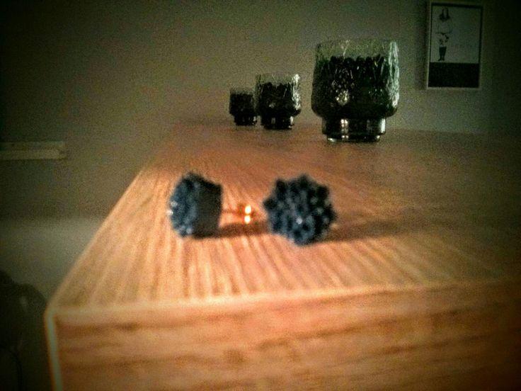 Navy blue chrysanthemum earrings