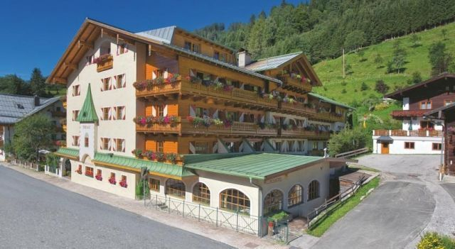 Wellnesshotel Mitterwirt - 4 Sterne #Hotel - EUR 51 - #Hotels #Österreich #DientenAmHochkönig http://www.justigo.de/hotels/austria/dienten-am-hochkonig/wellnesshotel-mitterwirt_37147.html