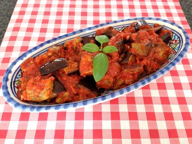 Aubergine met tomatensaus   Het lekkerste recept vind je op AllesOverItaliaansEten