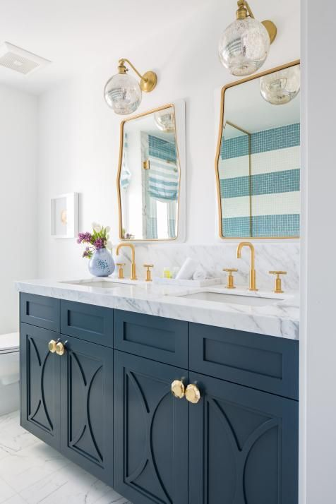 Modern White Cottage Master Bathroom With Blue Double