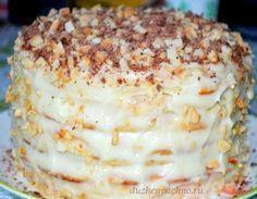 Творожный торт на сковороде за 10 минутТворожный торт на сковородке Тесто 1 яйцо 200 гр творога 1 ст сахара ванилин примерно 300 гр муки 1 ч л гаш соды. Крем: 500 мл молока 1 яйцо 1 ст сахара 3 ст л муки ванилин 150 гр слив масло. Орехи 150 гр. Приготовить основу крема: растереть яйцо с сахаром и мукой, добавить ванилин, влить молоко, перемешать венчиком, поставить на медленный огонь, варить до загустения, постоянно мешая. Полностью остудить. Творог перетереть с сахаром, яйцом, добавить ван
