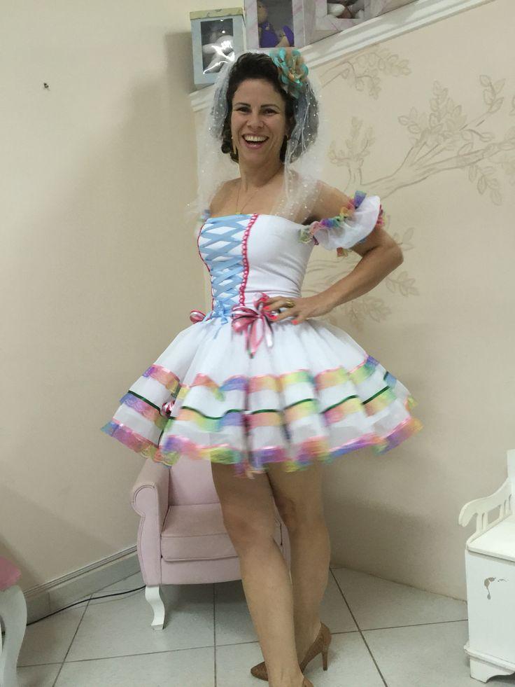 """Eu quero me casar, não acho ninguém!! Rsrsrs """".  Olha a noiva sôh""""  Vamos de caipira?! Só se for com os looks Dalili StoreBaby!!! """"Pra modê nois ser as mais ageitada sôh"""""""