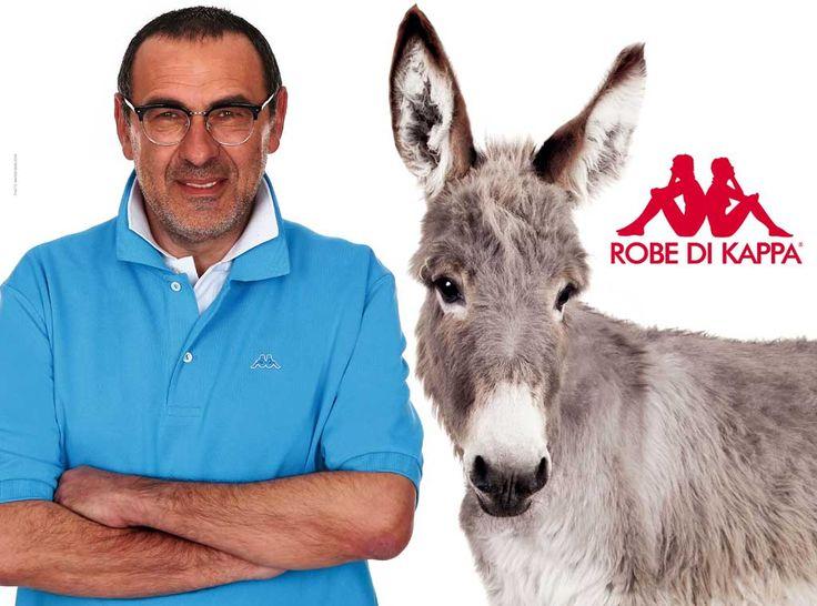 Sarri e Robe di Kappa nuovo binomio. L'immagine di Sarri e del logo Robe di Kappa campeggia anche sulle pagine del Mattino e sui muri di Napoli.
