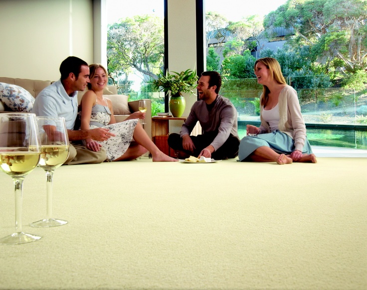 A Redbook total carpet to entertain with friends in your new modern home!