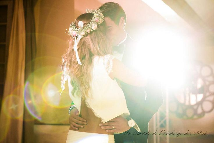 Wedding venue in France #weddinginfrance #Provence #love #fiancées #wedding #dress #flowers