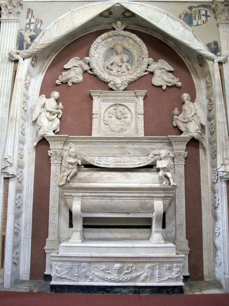 Monumento funebre a Maria d'Aragona. Benedetto da Maiano e Antonio Rossellino.  1475-1490