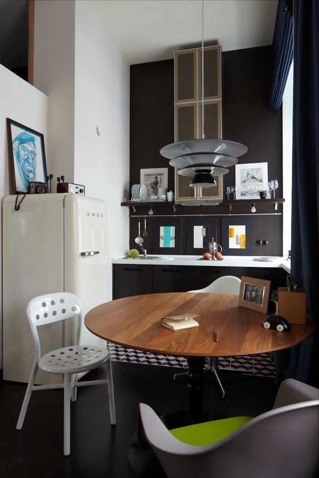 Фотография: Кухня и столовая в стиле Хай-тек, Малогабаритная квартира, Квартира, Студия, Дома и квартиры, Проект недели, ретро-интерьер, кира чувелёва, как обустроить студию, как обустроить однокомнатную квартиру, студия недели 2014 – фото на InMyRoom.ru