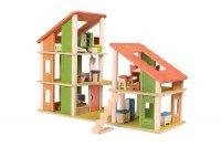 Chalet casa per bambole di legno completa di mobili Plantoys Composta da due unità accostabili in... Prezzo: 169,00 €  shop su www.moreforkids.it