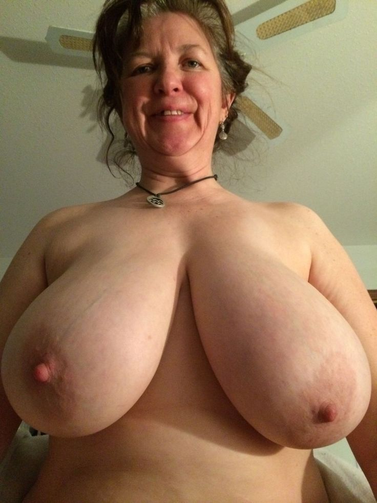 Huge juggs mature milf cum
